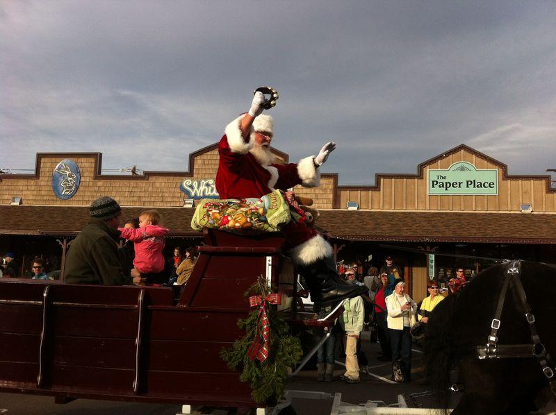 Sisters Christmas Parade (61)