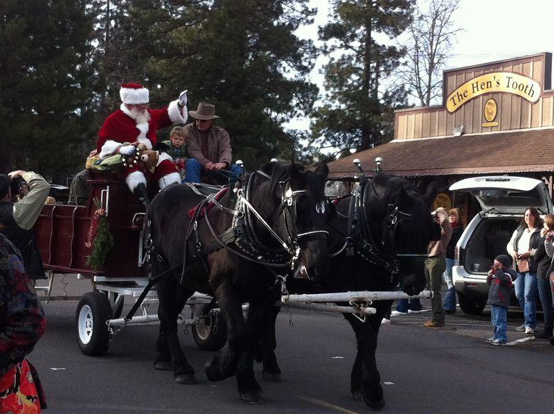 Sisters Christmas Parade (59)