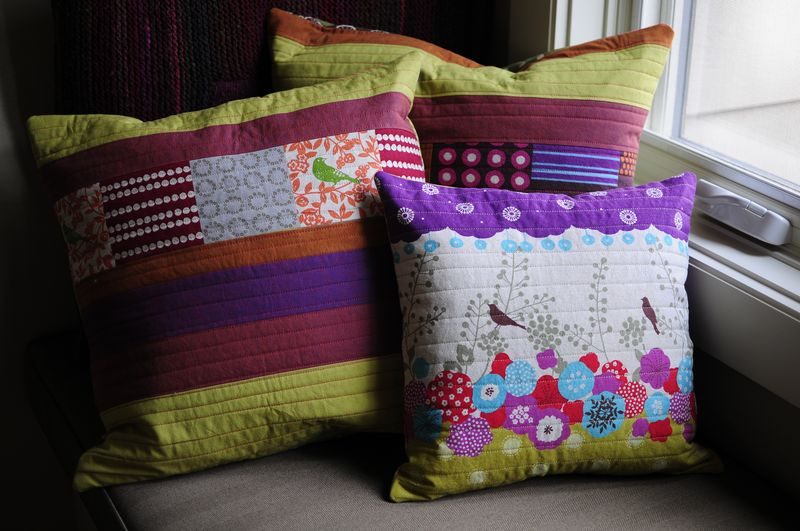 Modern Button Back Pillows (7)