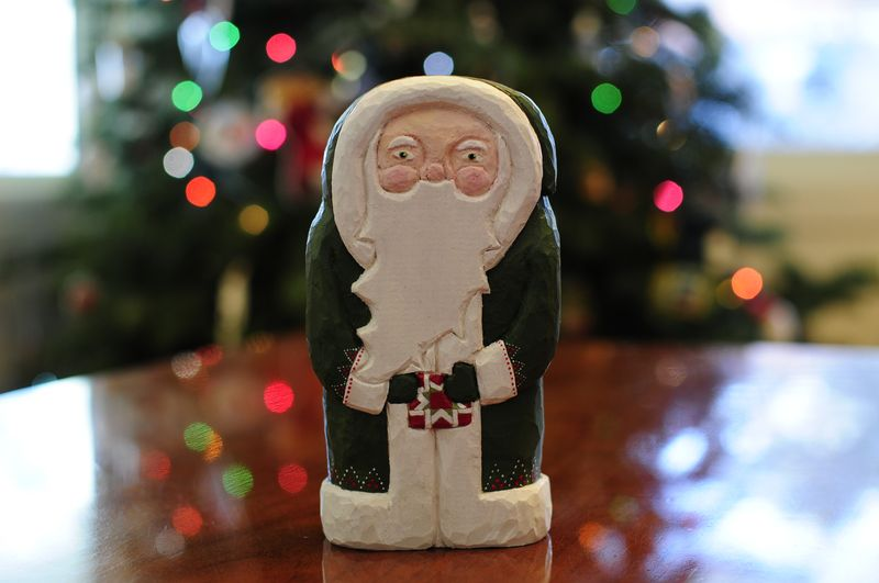 2012 Santa Hand Carved by Chloe for Kristin (3)