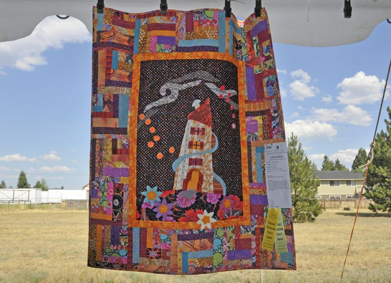 Sisters Show 2014 Colorful  (16)