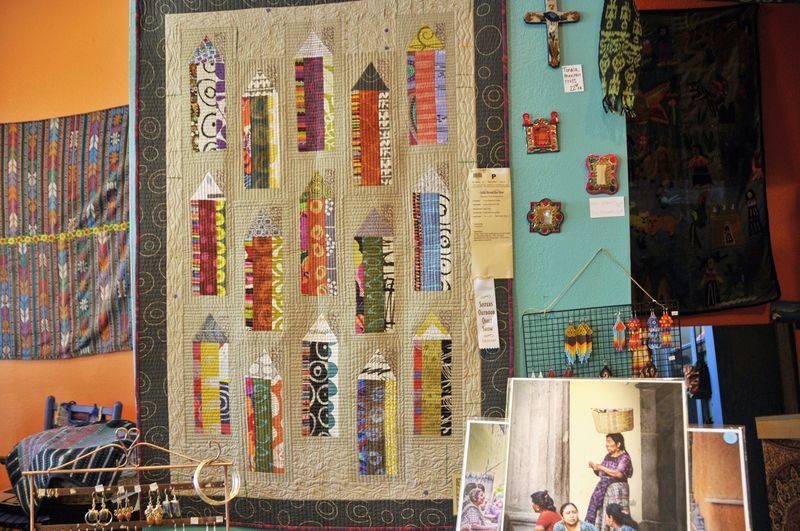 Sisters Show 2014 Colorful  (19)